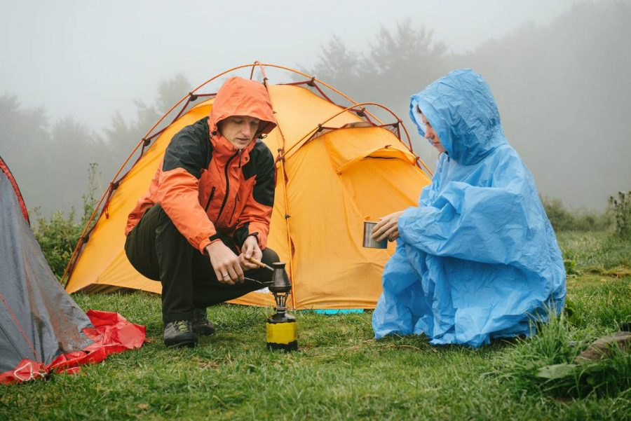 camper sous la pluie