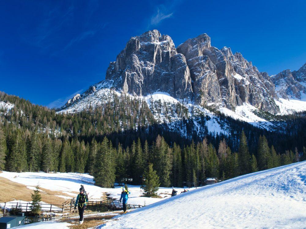 groupe de skieur en randonnée