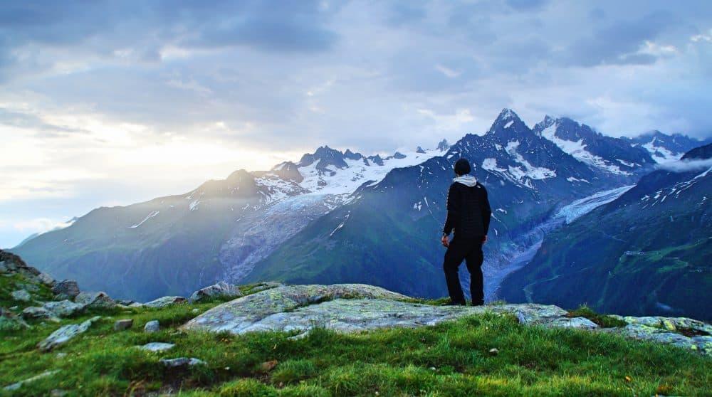 homme randonnée alples chamonix