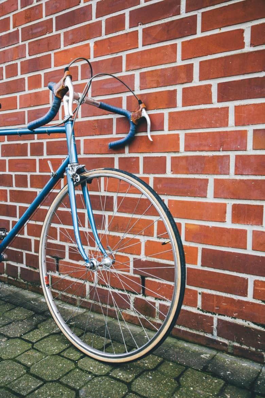roue et pneu de vélo de route
