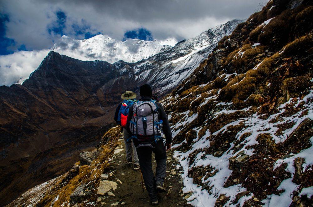 alpinistes avec sac a dos 50L