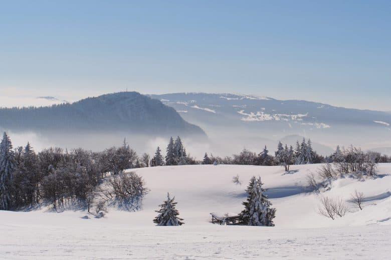 Montagne du Jura en hiver mont D'Or secteur français