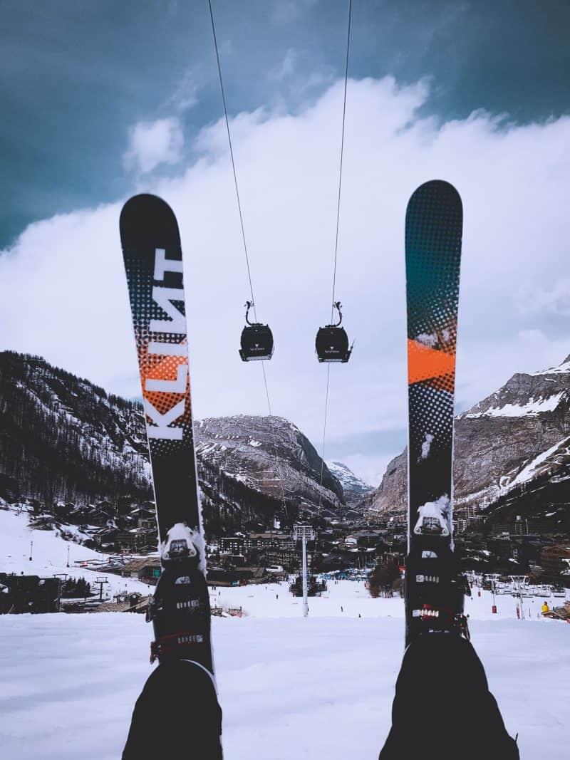 taille de skis aux pieds